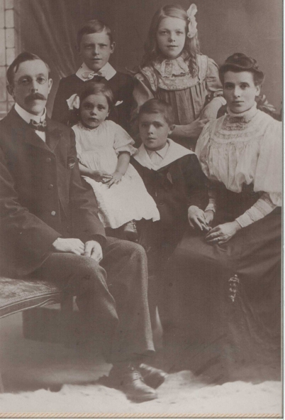 Richard William Hogg and family